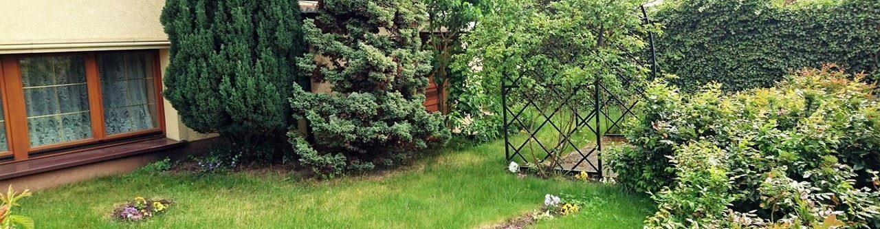 ogródek willi drako w międzyzdrojach